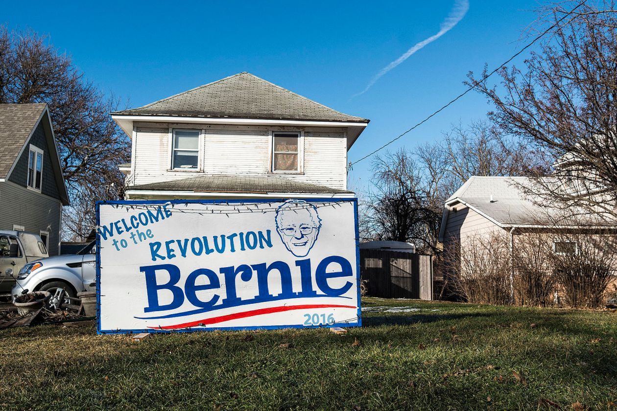 image - Bernie_Sanders_sign_in_Iowa.jpg