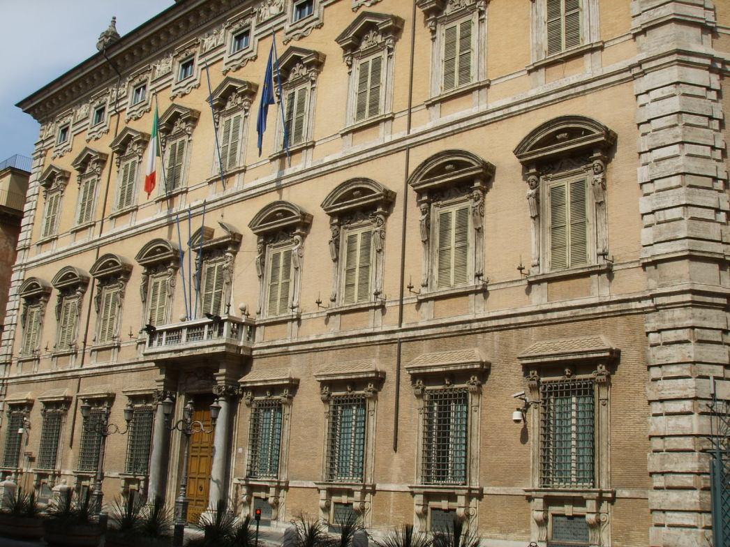 image - Italy - Palazzo Madama (Senate).JPG