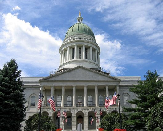 image - Maine state house.JPG