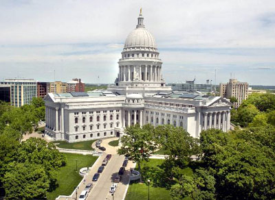 image - Wisconsin state capitol